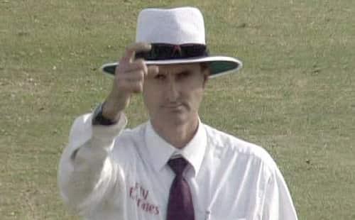 Signals used by Cricket Umpires | ncrcricket.com